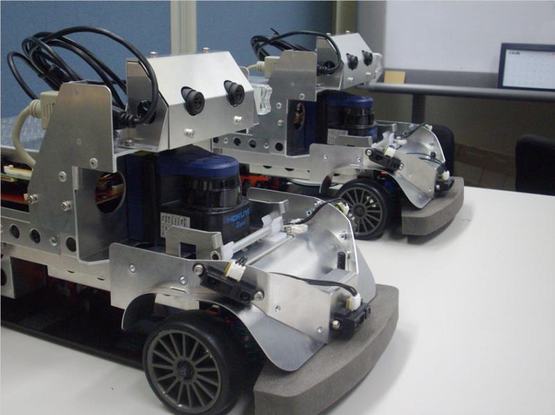 自律走行車両アルゴリズム検討用模型車両