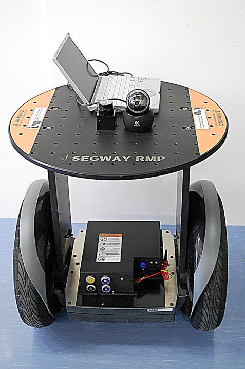 研究用ロボットプラットフォームSEGWAY RMP200