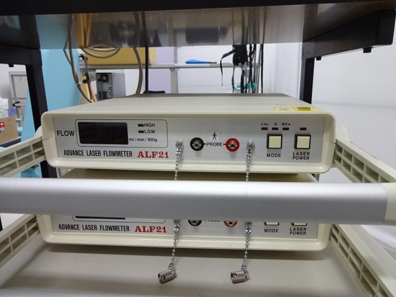 レーザー血流計(ALF21,アドバンス社製)
